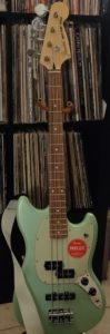 Surf Pearl Fender Mustang Bass